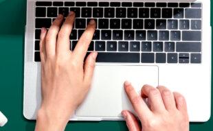 Cum poți îmbunătăți experienta candidaților cu ajutorul tehnologiei