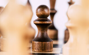 strategia șah pion